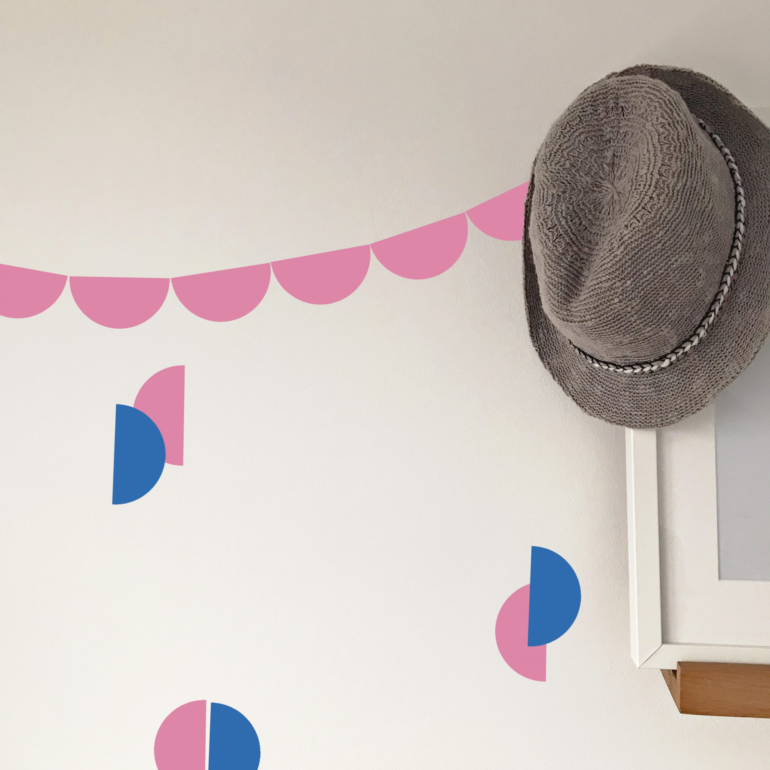 Hat Wall big half rounds pink and zure blue